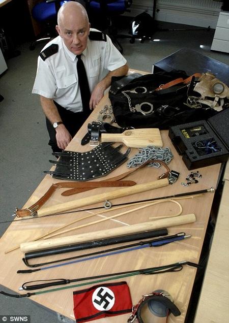 algunos de los articulos para sado confiscados